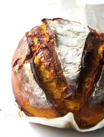 pain au levain et curcuma