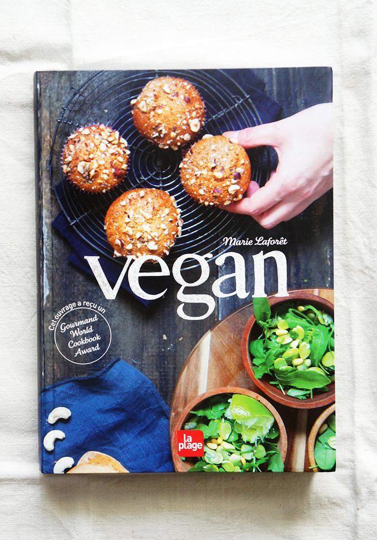 livre vegan et tartare de courgettes aux olives blog coconut cuisine foodisterie. Black Bedroom Furniture Sets. Home Design Ideas