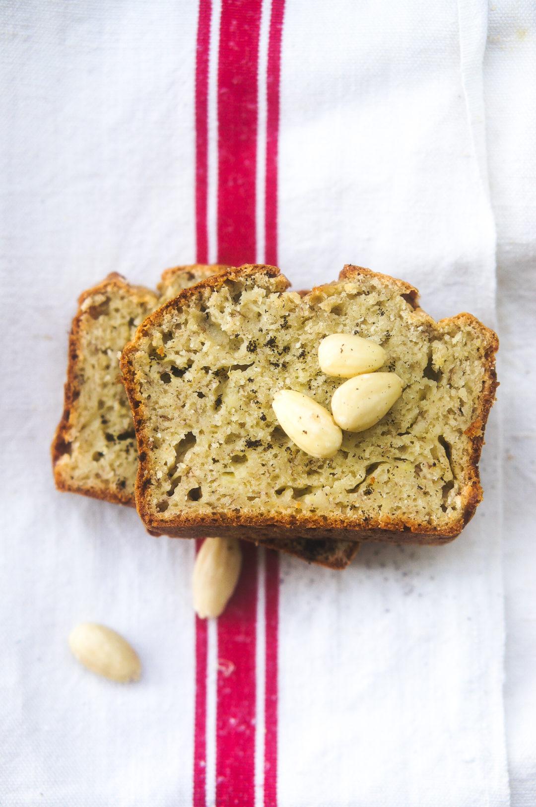 Banana bread sans sucres ajoutés